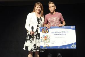 Podelitev nagrade-Vesela sola-za tabor-2014 (1)